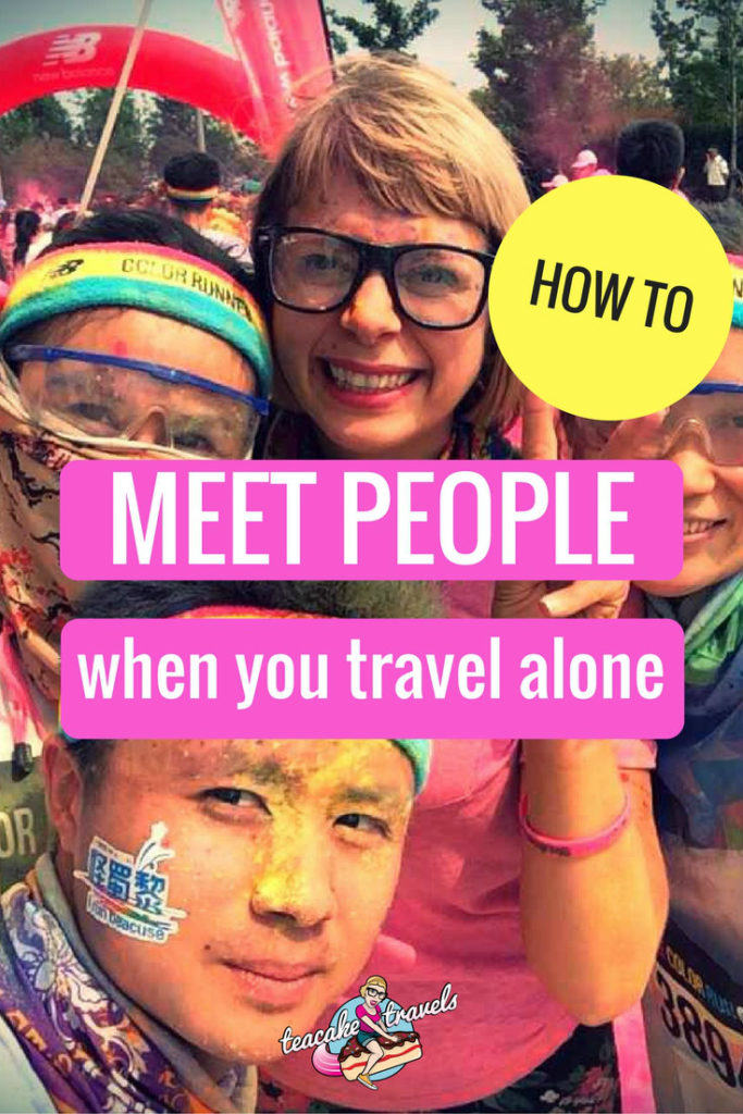 How to meet people when traveling alone