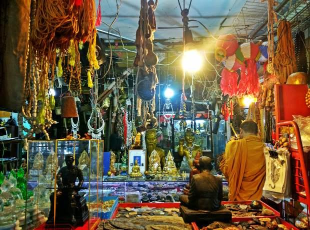 Chiang Mai Amulet Market