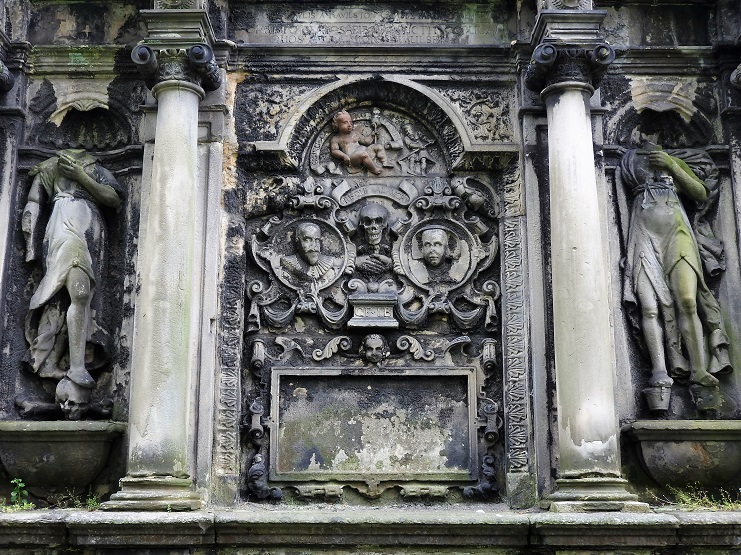 One of the things to do in Edinburgh is see these intricate headstones, vault and crypts in the graveyards.