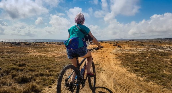 Excursions in Aruba on a bike
