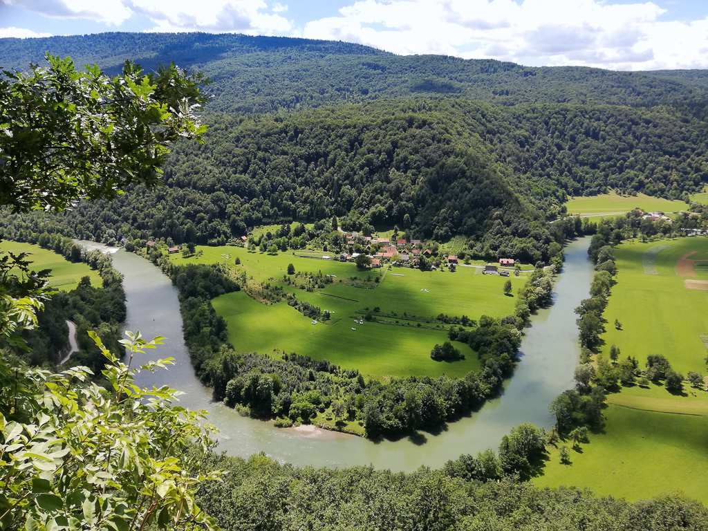 Hiking in Slovenia along the Kolpa River