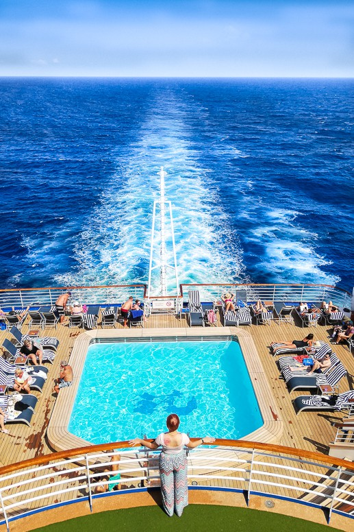 Welcome to the ultimate 7 day Princess Mediterranean Cruises Itinerary. This cruise takes you all the way from Barcelona to Rome via Gibraltar, Provence France, Genoa Italy, Cinque Terre and Florence and Pisa in Italy. Make your dream on the waves come true. Click on the pin to find out more about cruising the Mediterranean Sea! #travel #cruise #Mediterranean #traveltips