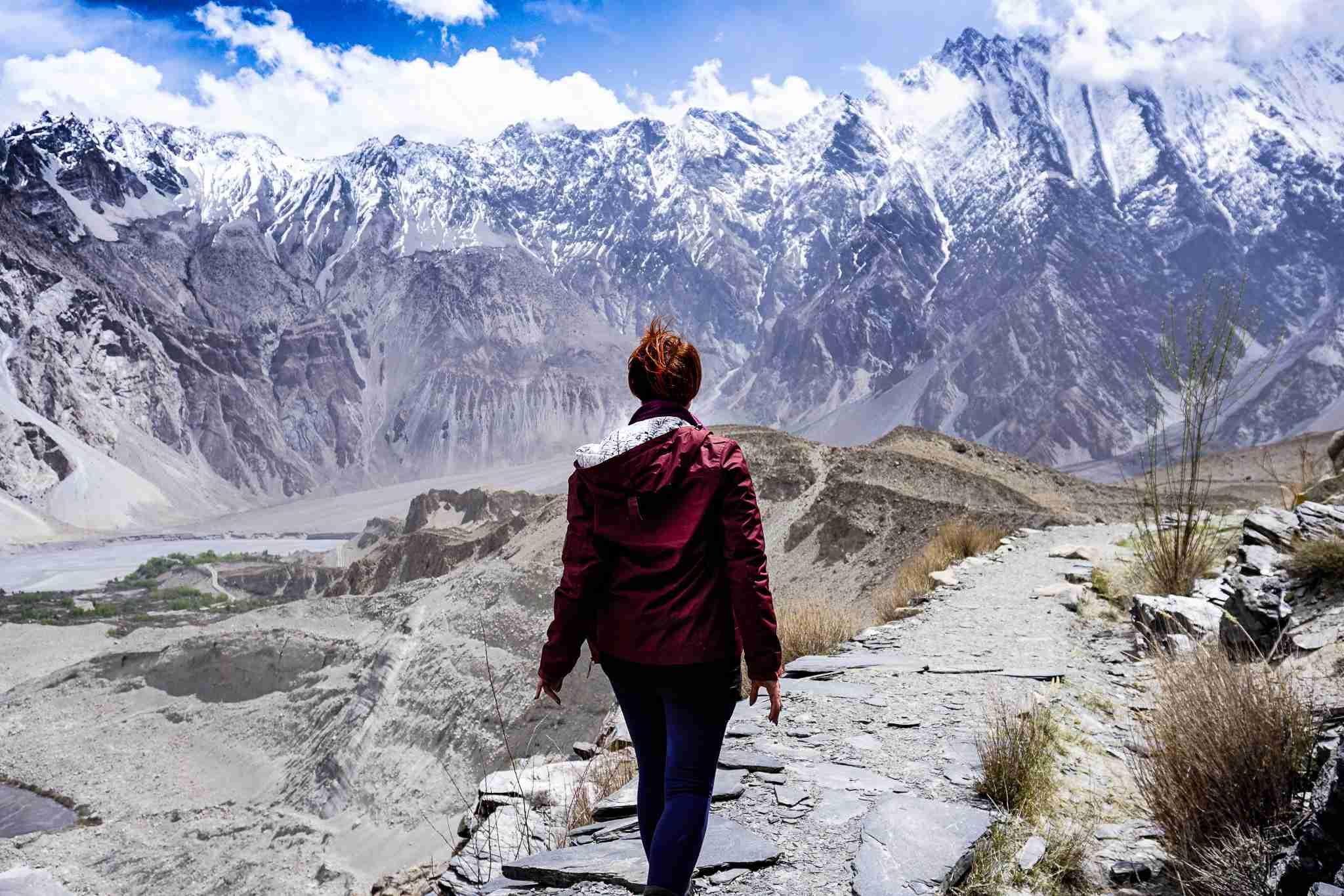 Trekking in Pakistan along the Passu Glacier in North East Pakistan