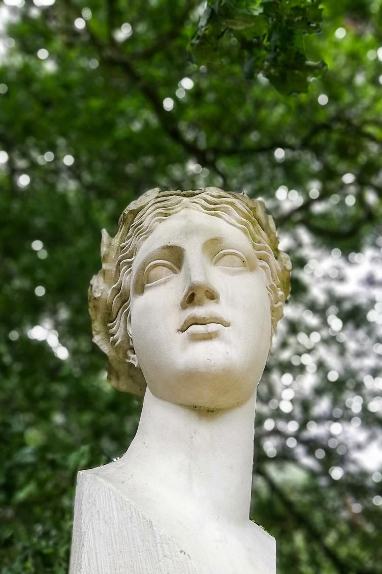 Portland stone head on plinth