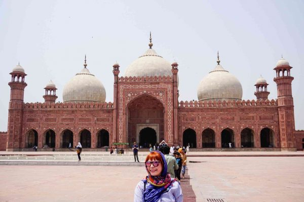 Photo of Alice in front of Badashi Mosque