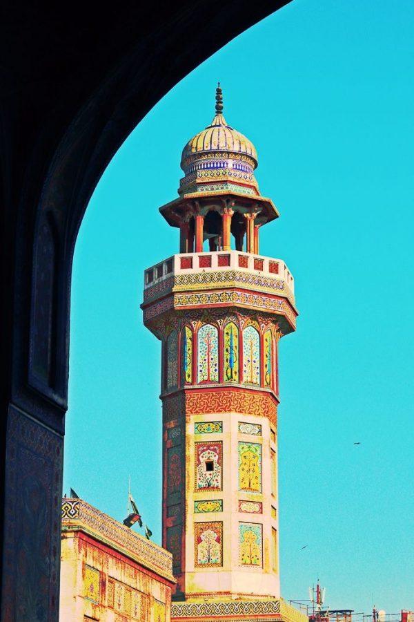 Photo of the colourful minaret at Masjid wazir khan